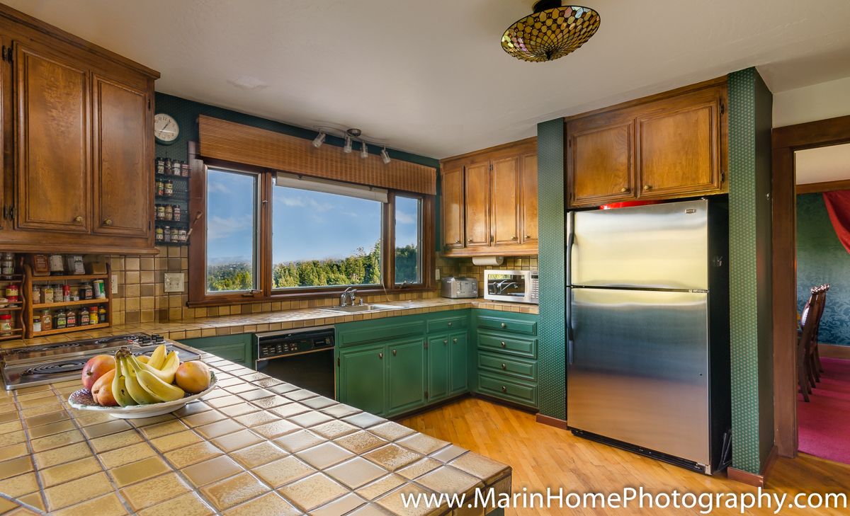 photography tips for real estate agents before photographing it s surprising how cluttered a kitchen can become you can often put a lot of counter top clutter into the sink take the shot